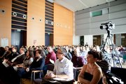 Thumb_image_fimu12_audience